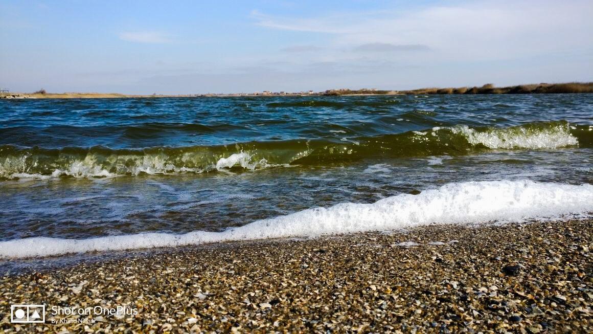 Sea Waves by Khalid Nassar