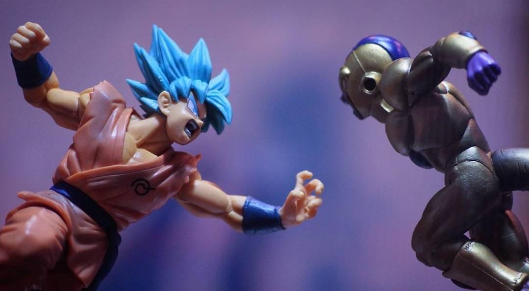Goku V/S Frieza  by Shubham Pandav