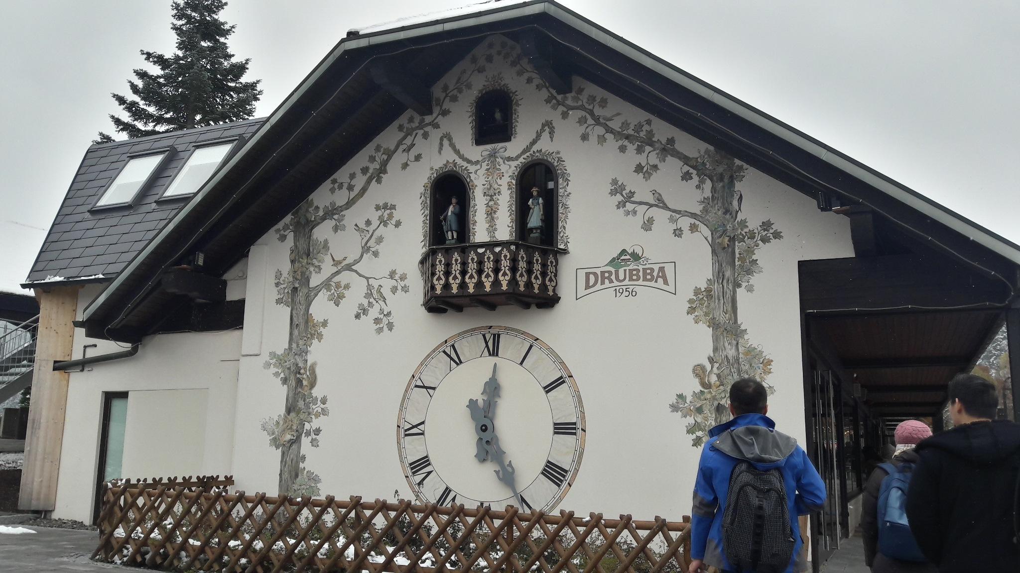 Clocking Blackforest by Ellessandra