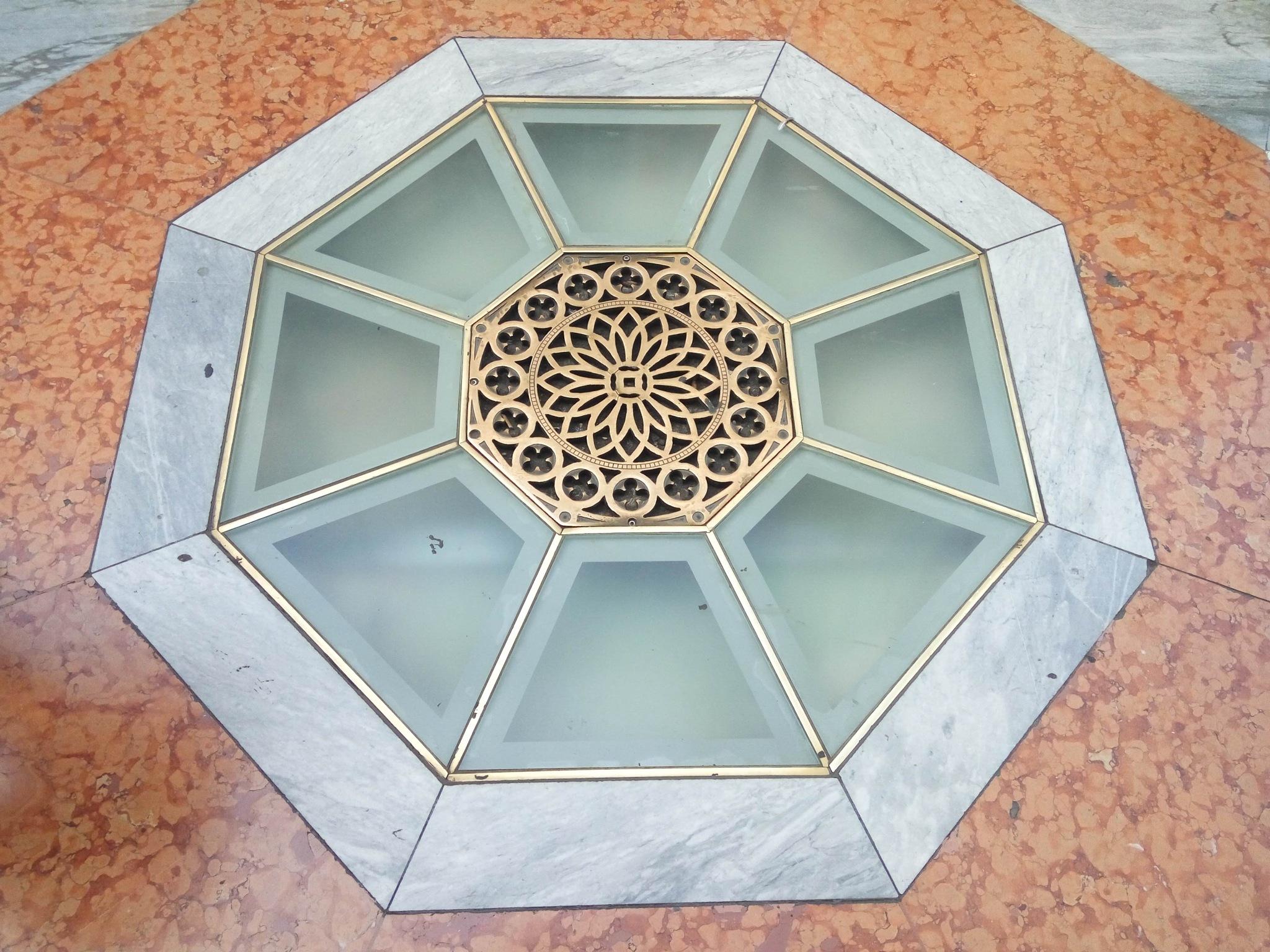 Tile detail by Raul Morejon Aguiar