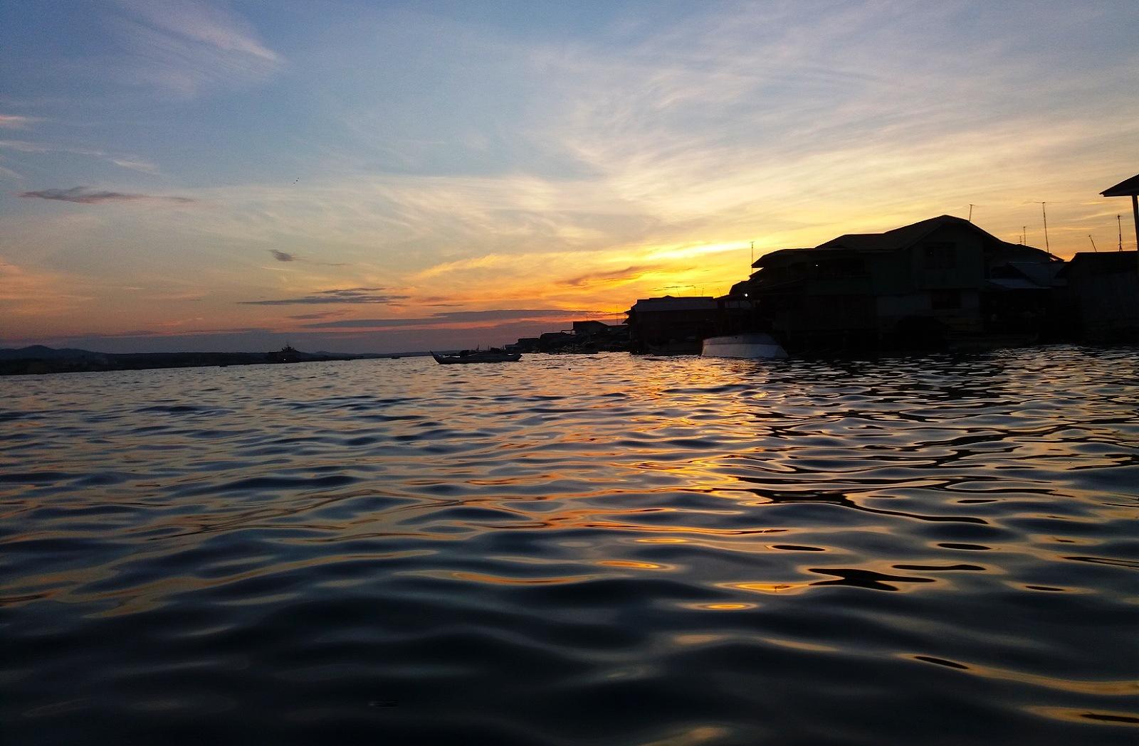 Malamawi Island Sunset by kylenique