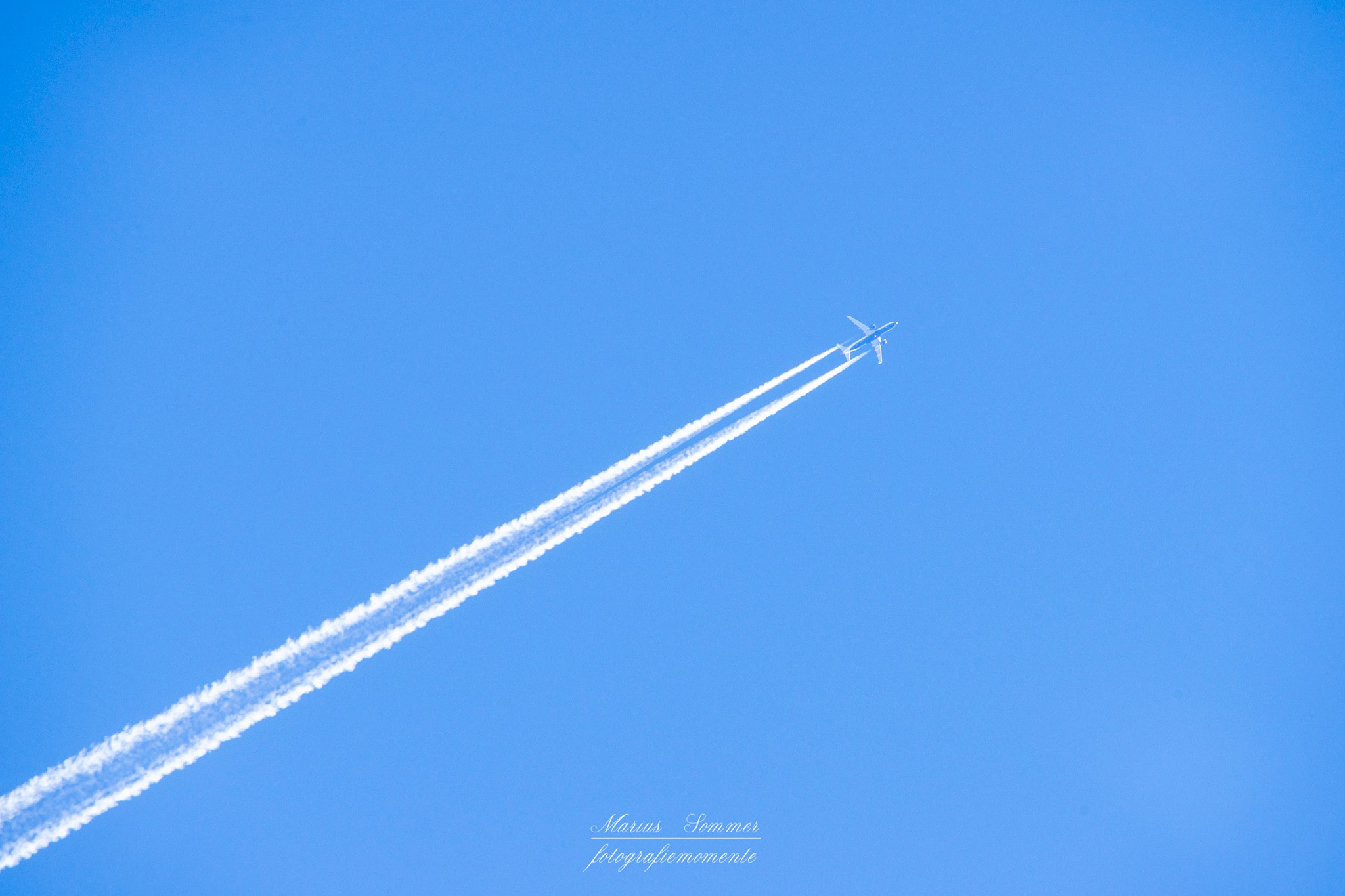 chemtrails hahaha by Marius Sommer