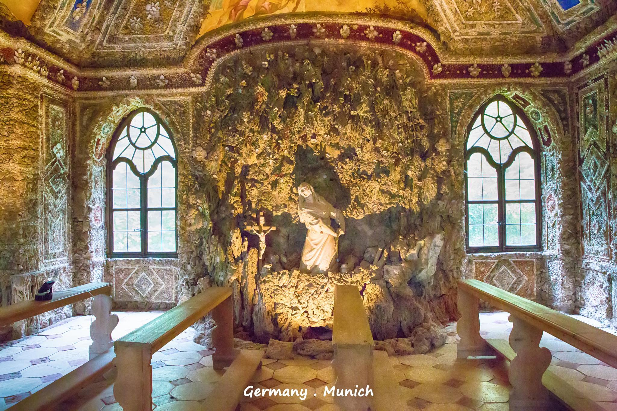 Germany . Munich . Nymphenburg by WaiWai Chung
