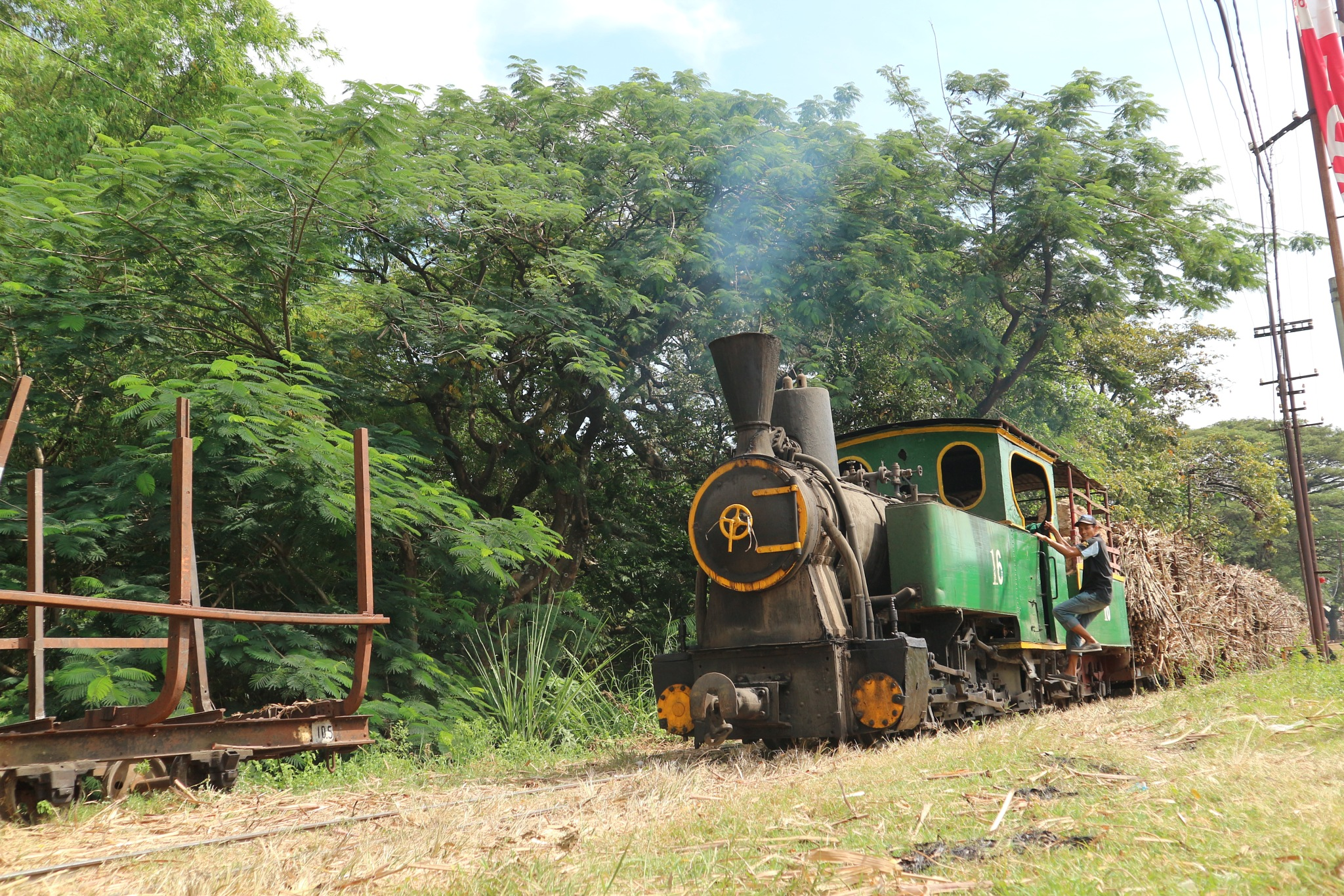 the old locomotive by Fatihah Ibnu Fiqri