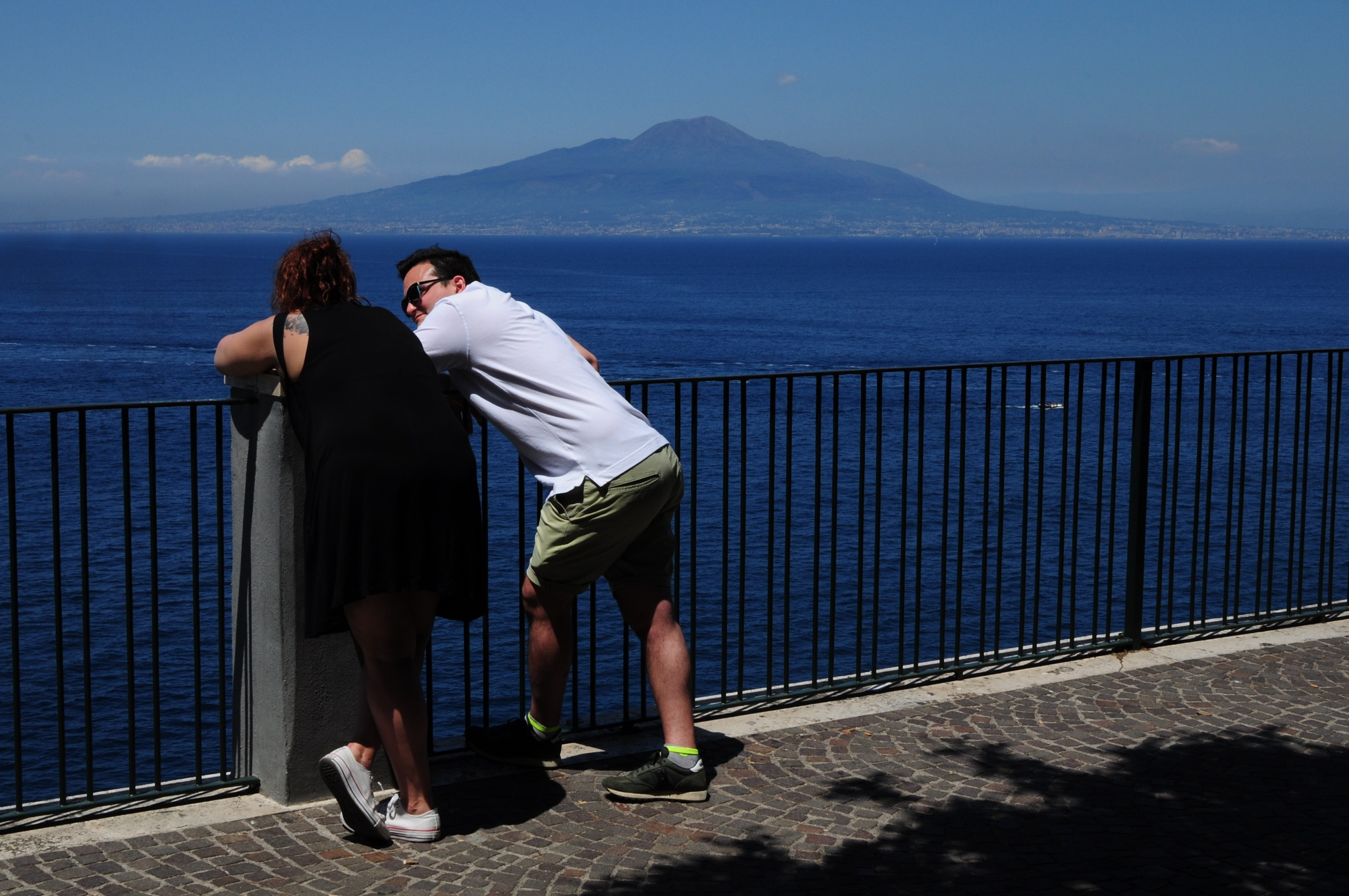 A couple in love. Sorrento City Gardens Terrace. by Rosario Di Rubbo