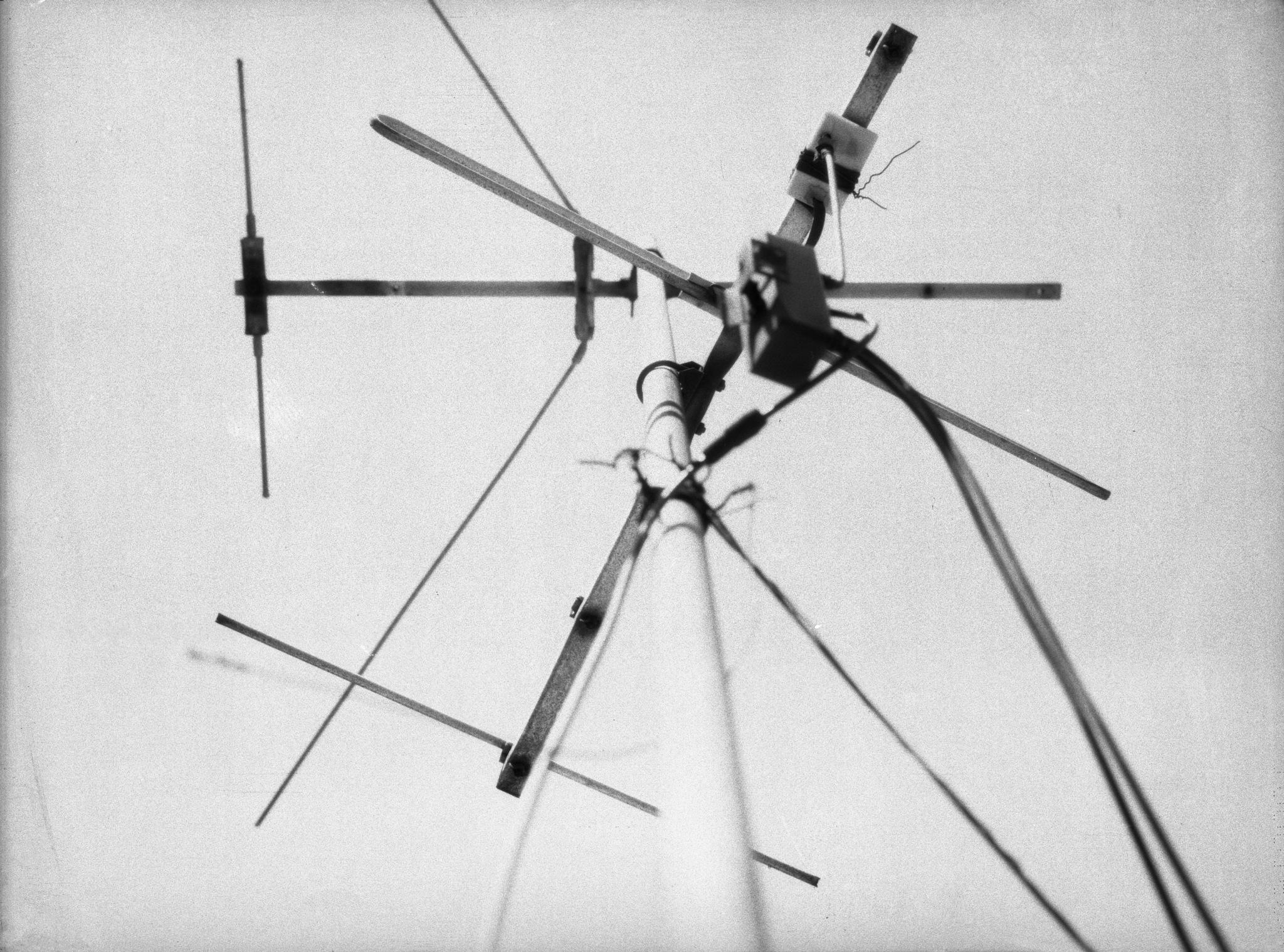Antena by Sebastián Tolosa