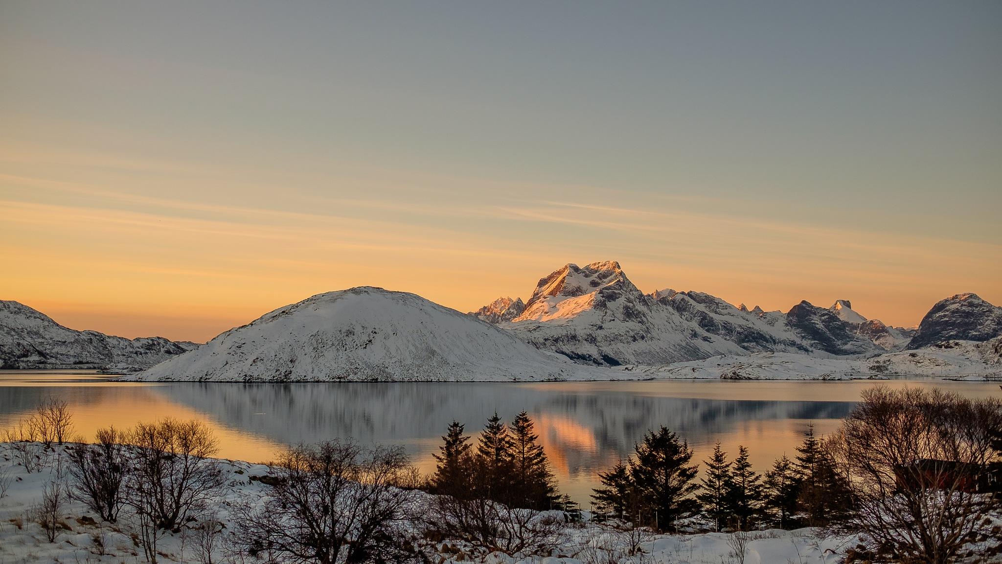 Norwegian Landscape by Hakan Cacharel