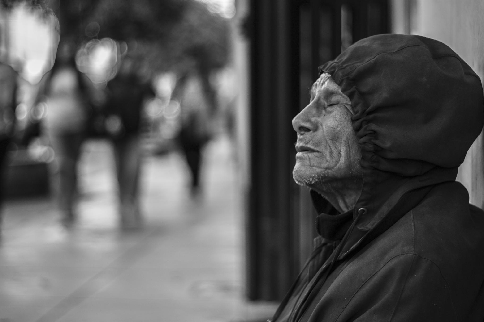 El mendigo by Roberto Pajares
