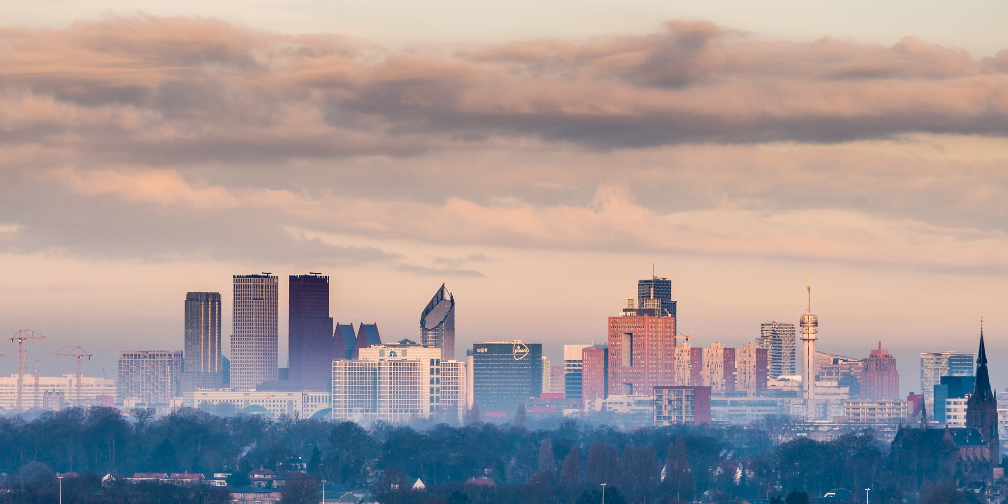 The Hague is waking up by Jos van der Zon