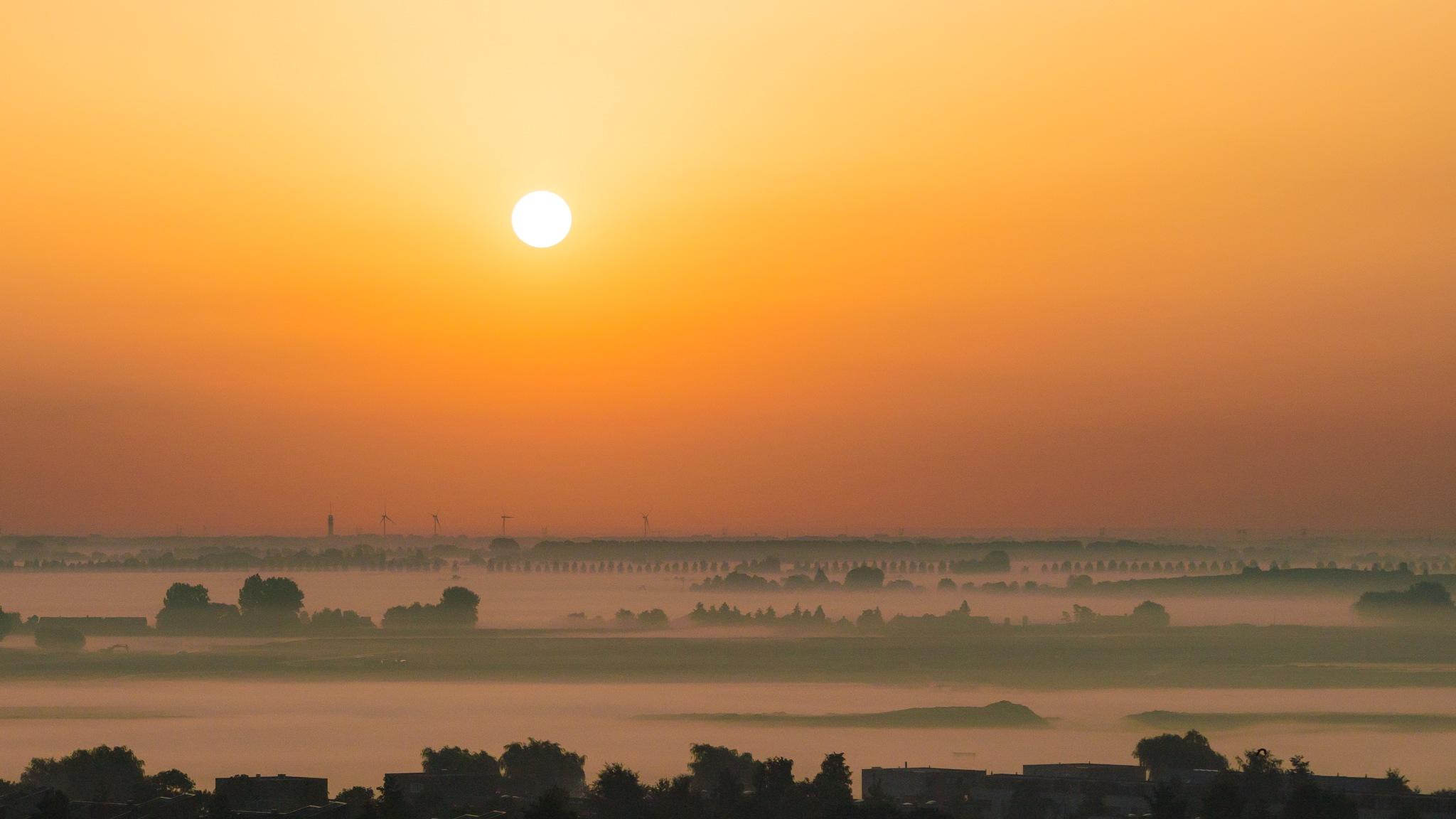 Sunrise today by Jos van der Zon