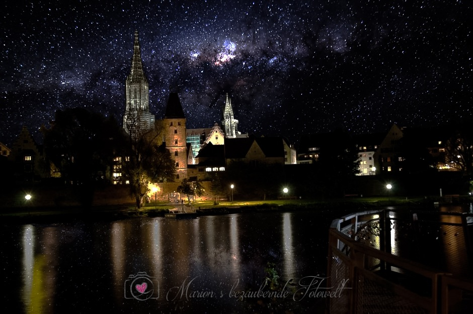 Ulm at night by Marion Meisel