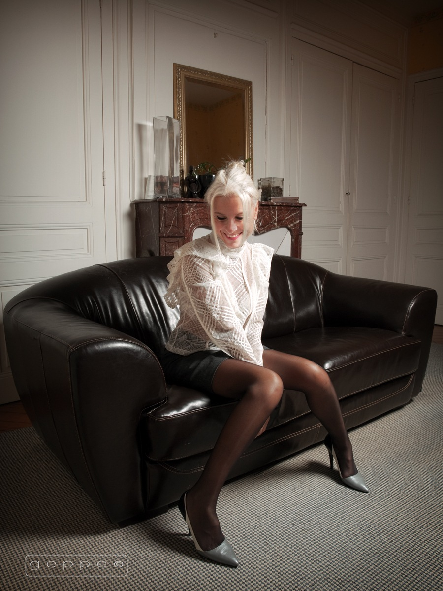 Sofie on the sofa by Geppe