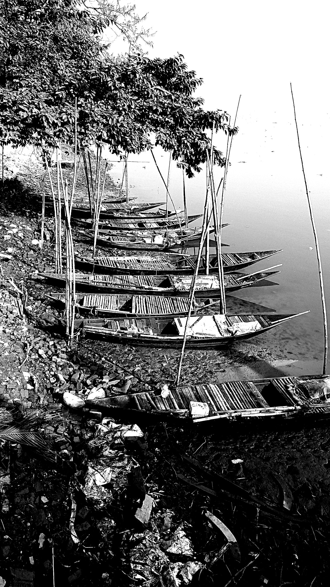 boats on the bank of river ganges by Ritwik Ghosh
