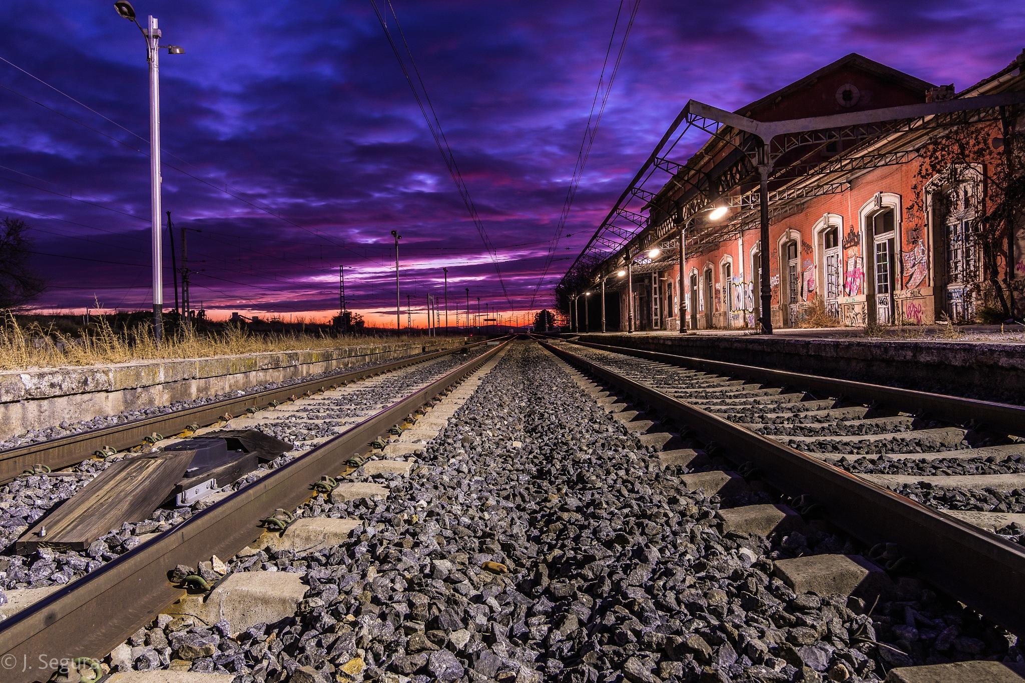 Entre las vías II (Castillejo-Añover) by YorchSeif