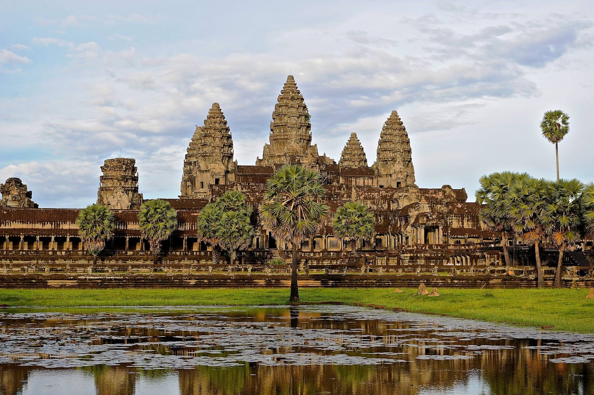 The sad beauty of Cambodia 2018 by Robert Malin Young