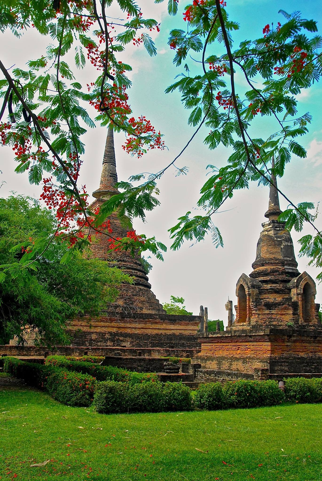 The intrinsic beauty of Thailand by Robert Malin Young