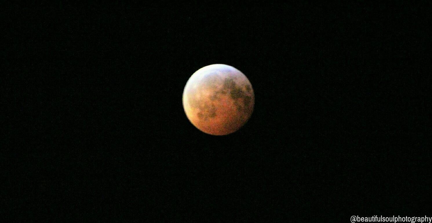 Lunar Blood Moon by BeautifulSoul22