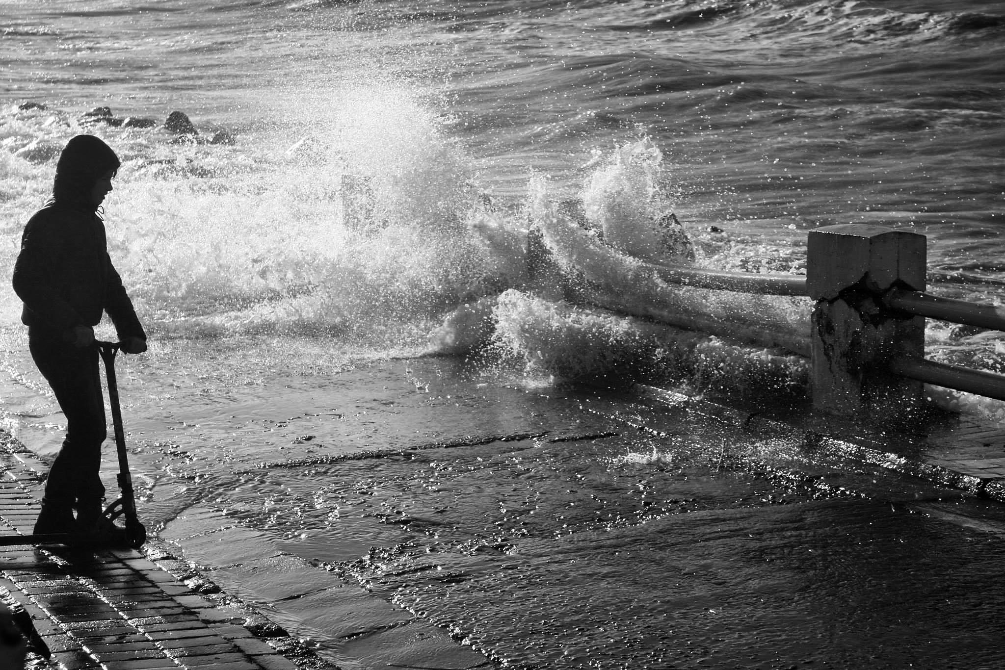~esperando la próxima ola~ by Valeria Di Meglio