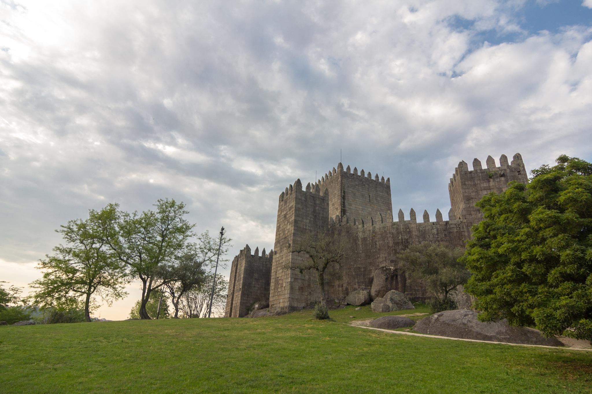 Castle of Guimarães by Rui Medeiros