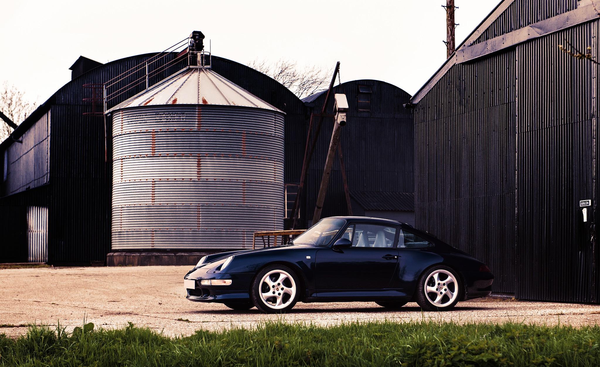 Porsche 993 by rogaragarza
