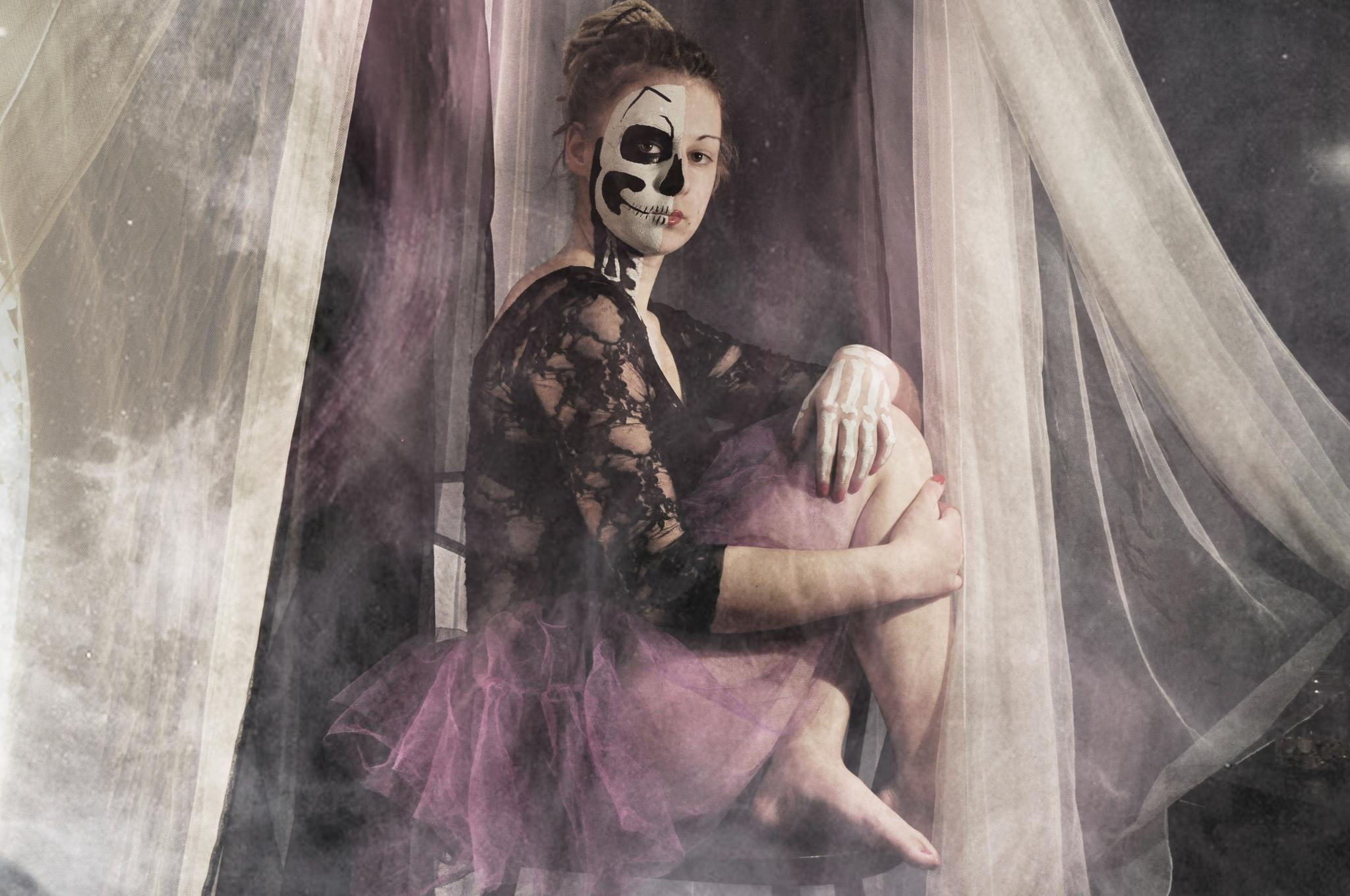 Halloween by Daria Burman