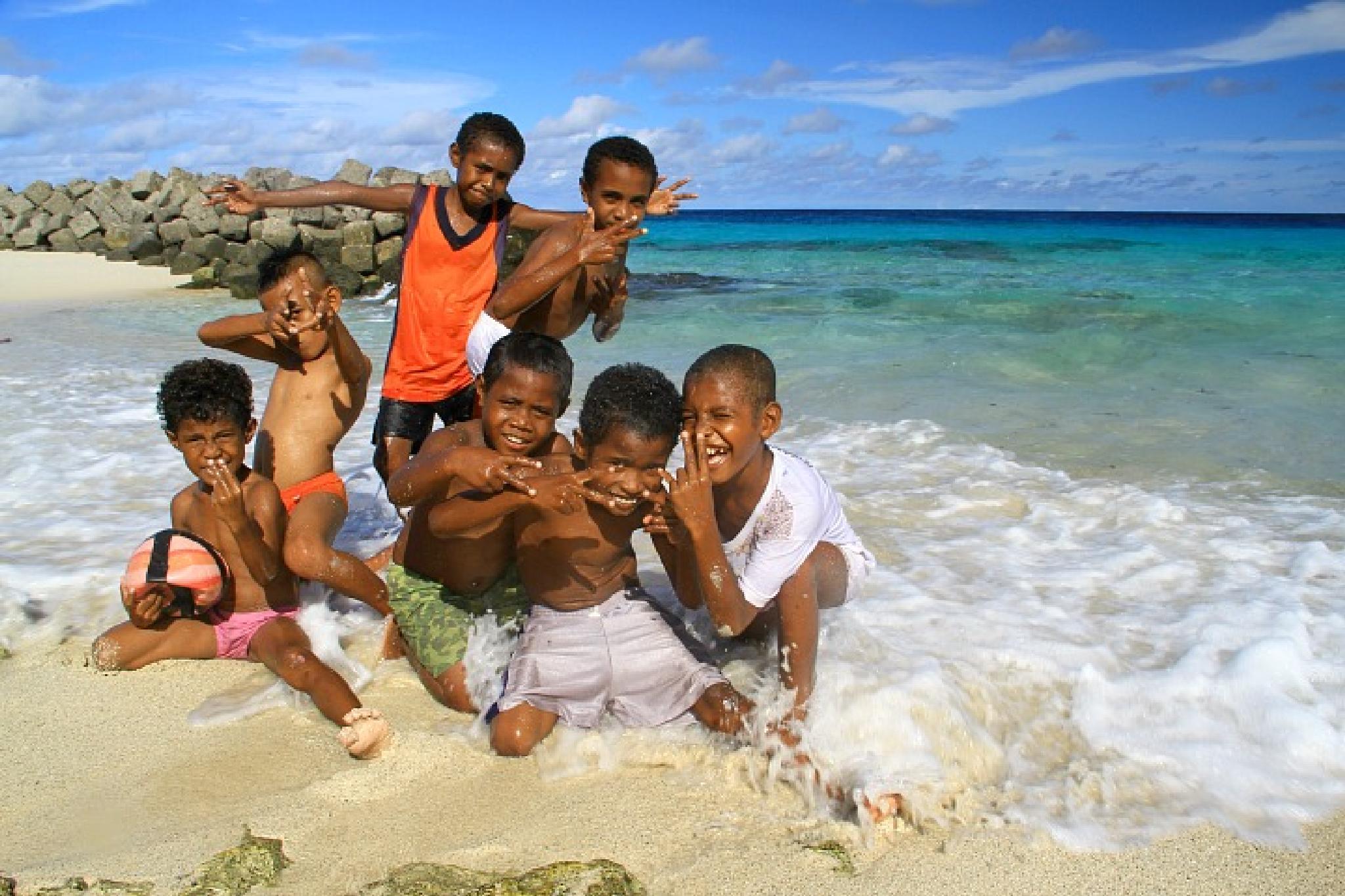 Papua Kids by edwinyepese