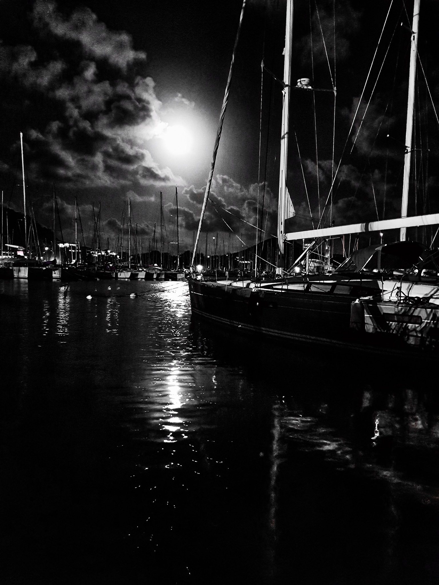 Caribbean Moonrise by tielolamare