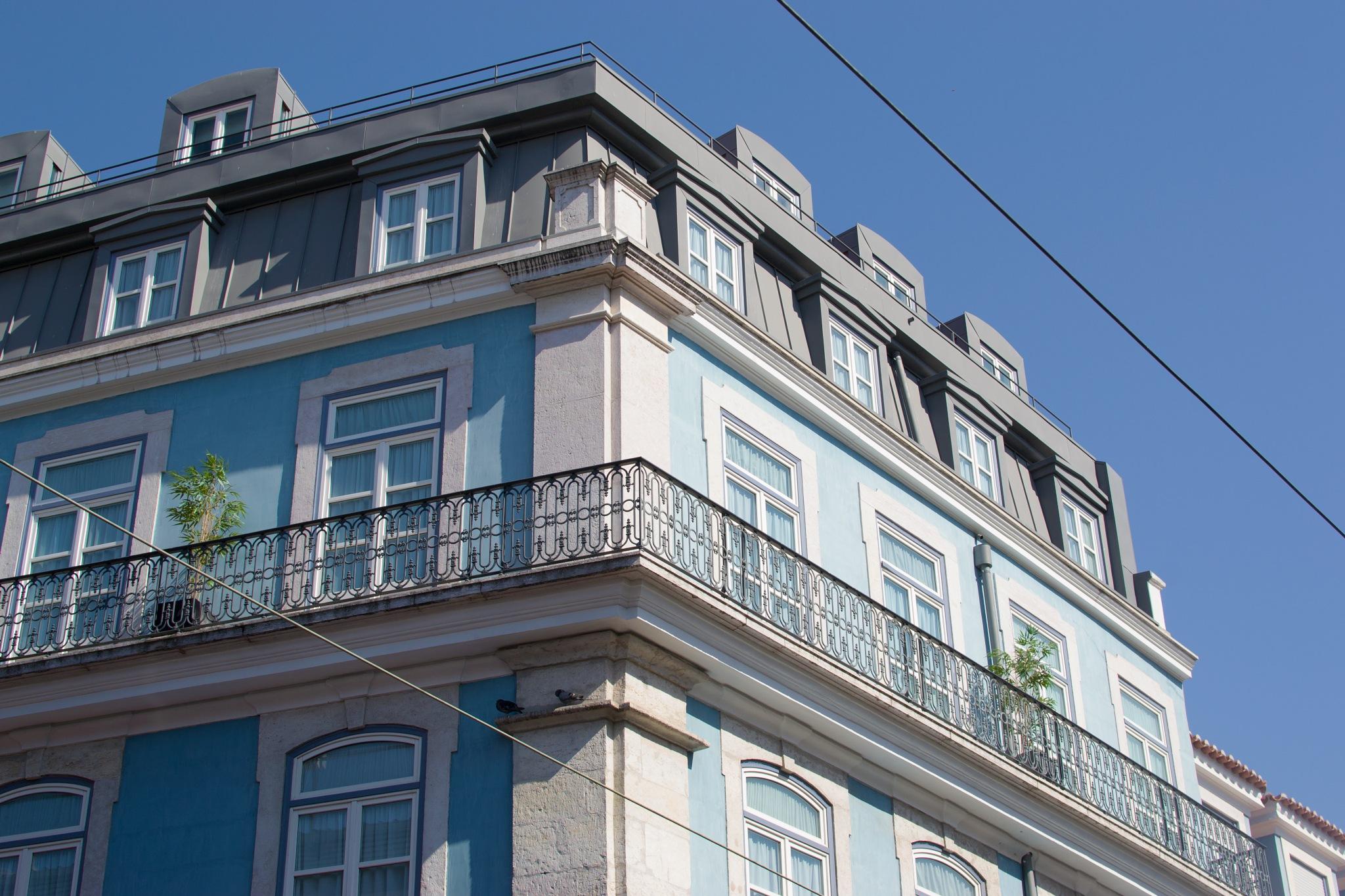 A corner of Lisbon by miid0u