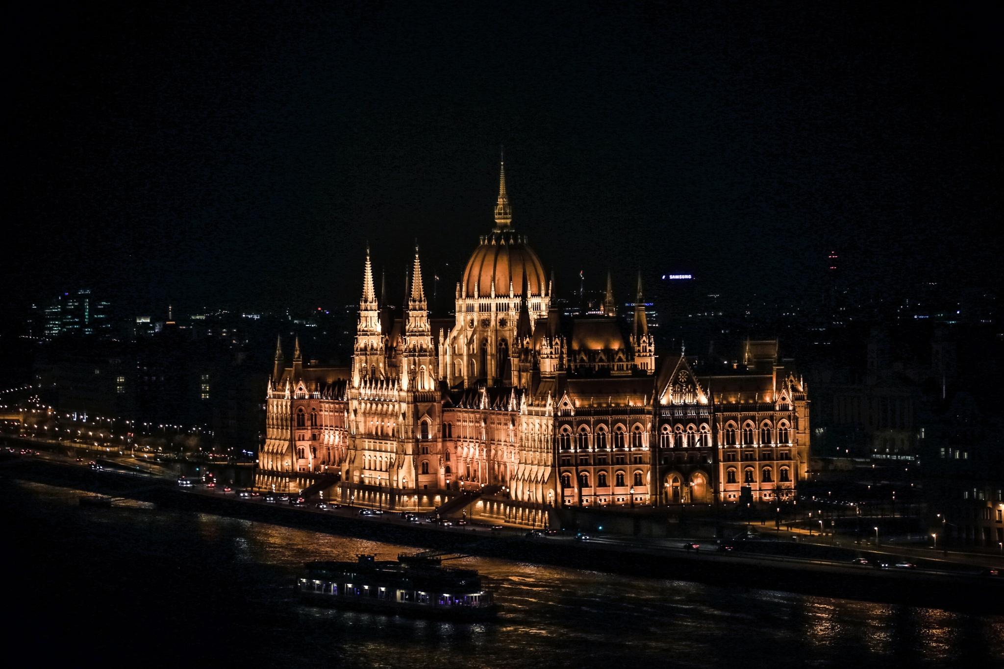 parlament by Kateřina Ševčíková