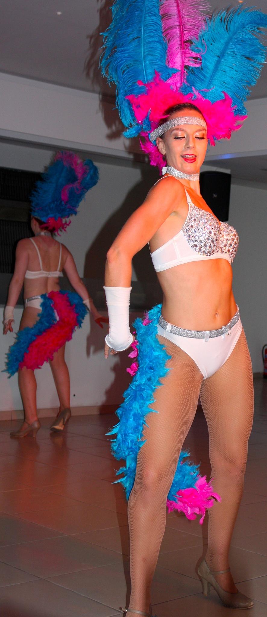 Dancer by Ddolfelin