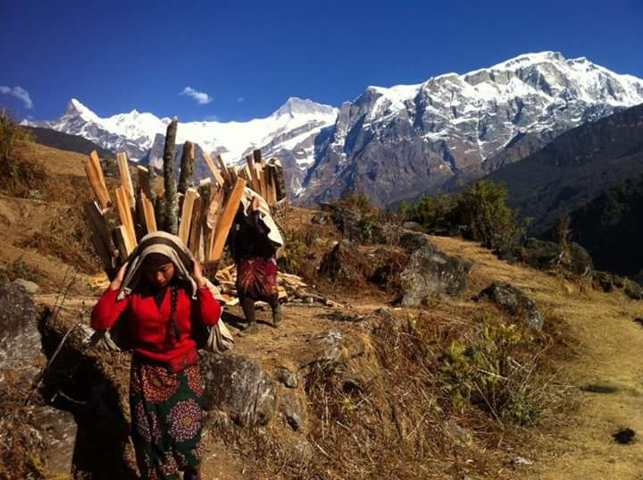 Himalyan life by Iaroon Barun