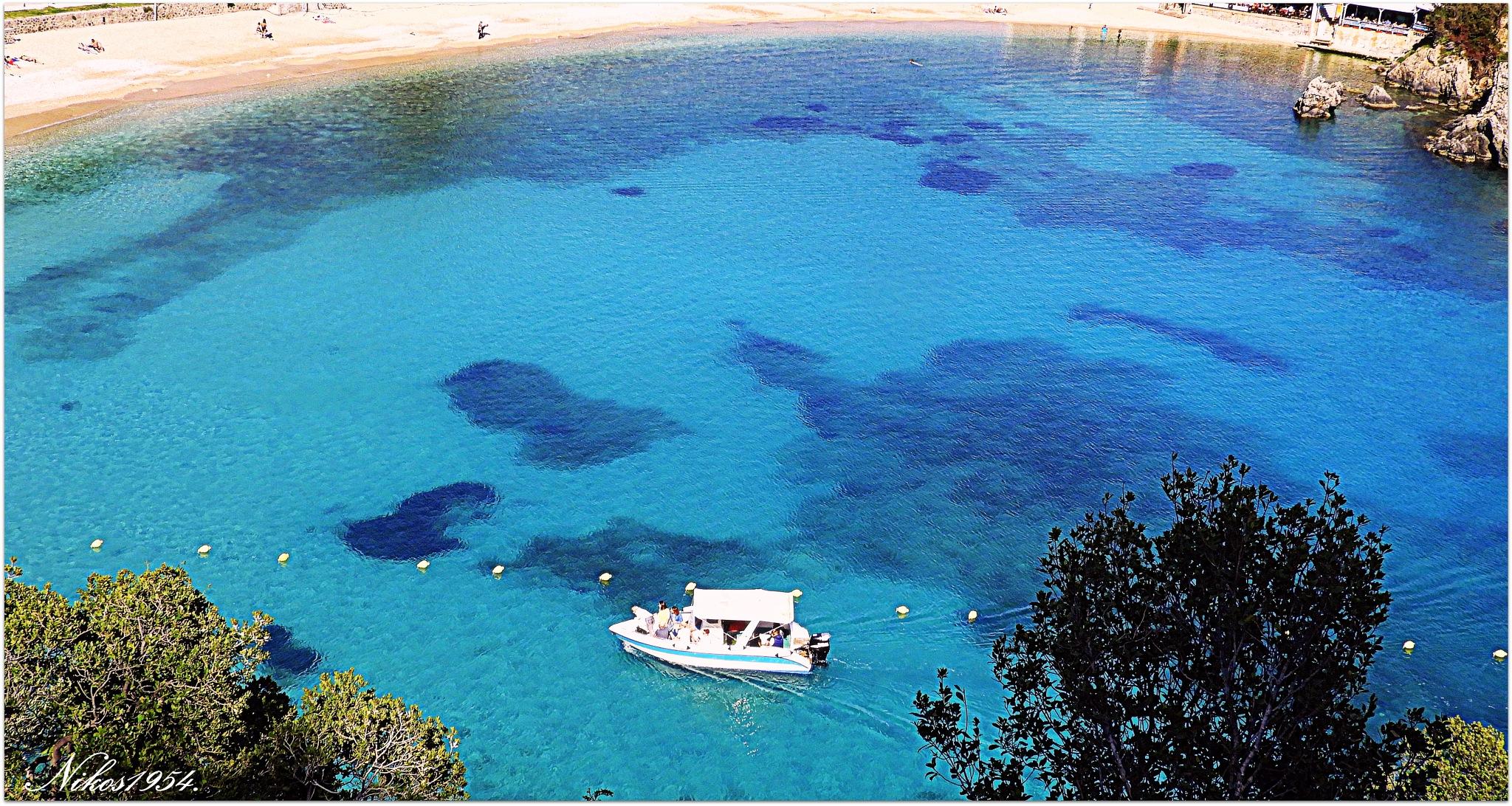 Στα γαλανά νερά του Ιονίου πελάγους στην Παλαιοκαστρίτσα της Κέρκυρας.-In the blue waters of the Ion by Nikos1954