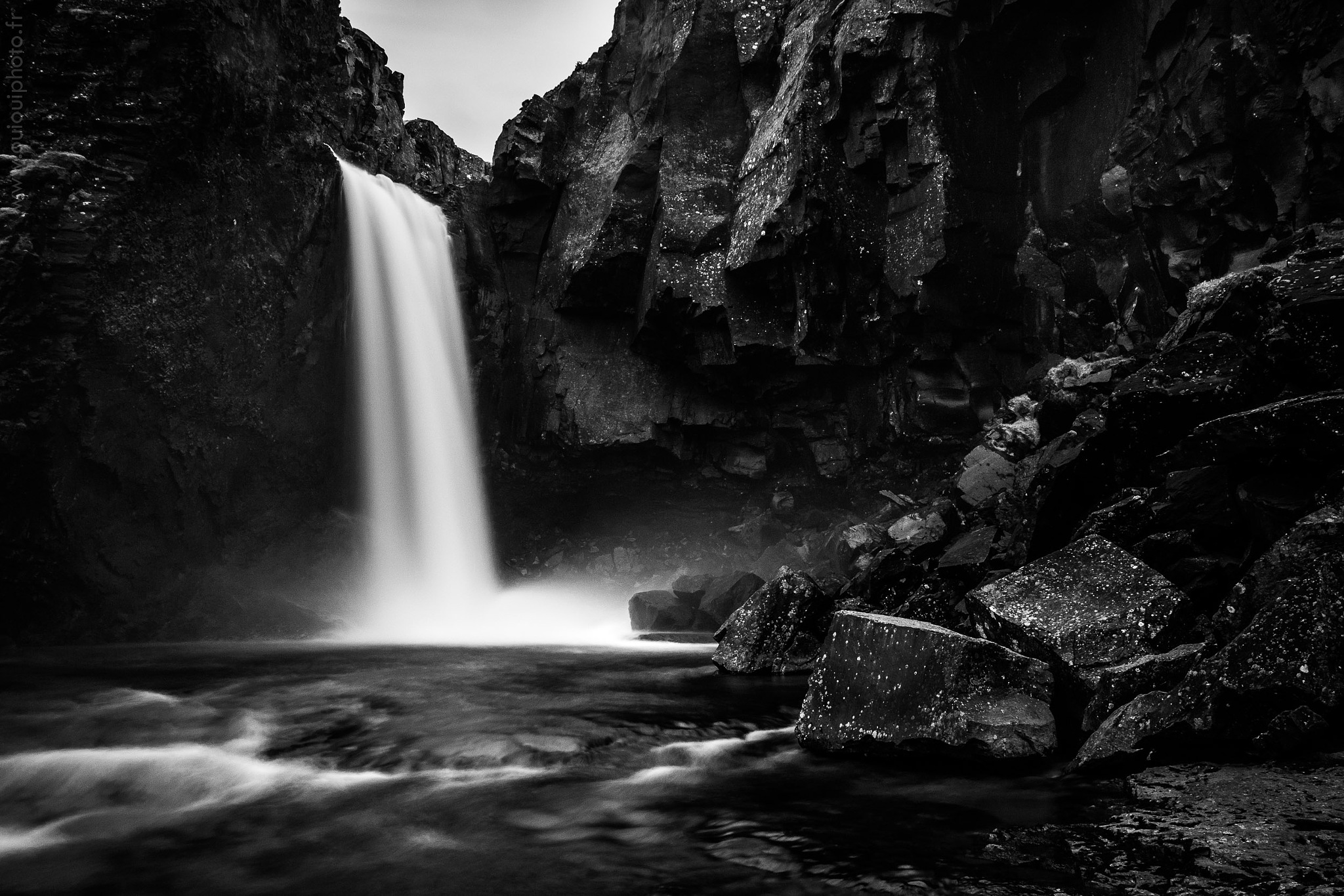 Waterfall in Iceland by Ouioui Ouiouiphoto