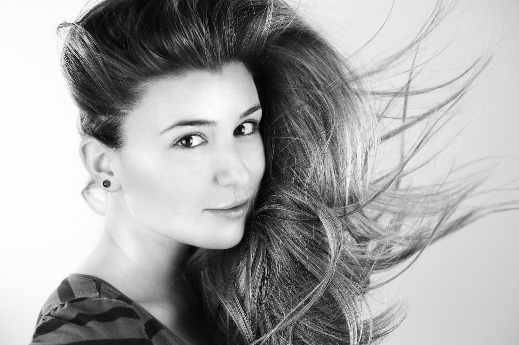 Black&White Wind by phototherapist