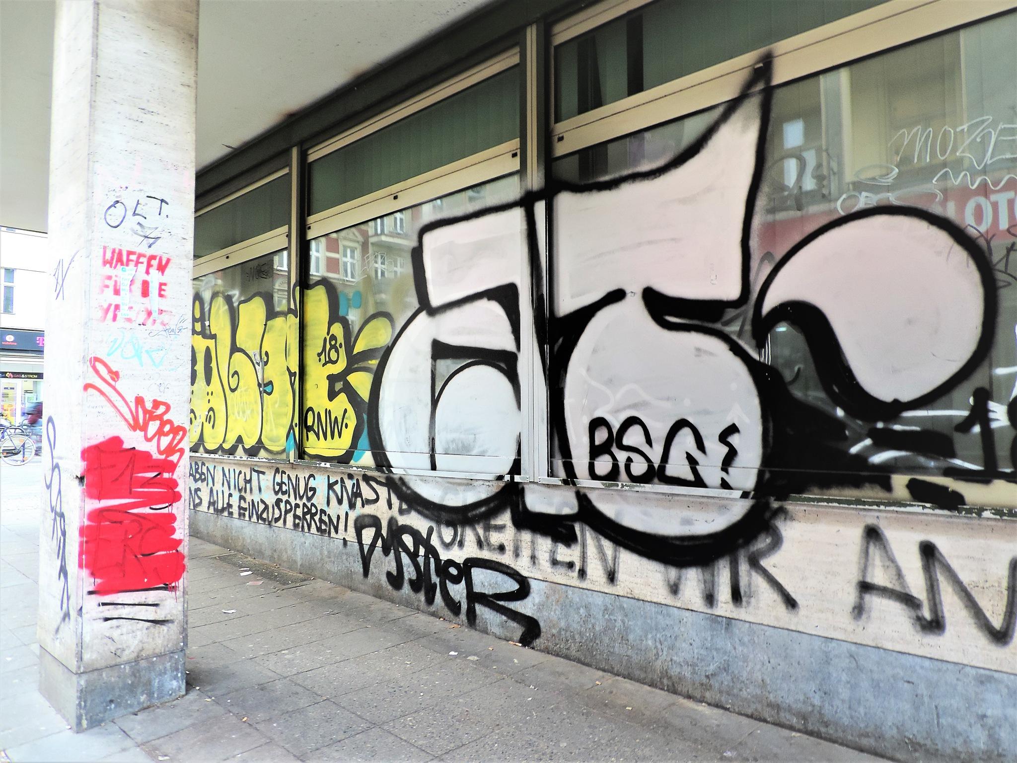 Photo in Street Photography #graffiti #streetart #berlin #writing #spray #tags #schaufenster #window #city #stadt #urban jungle