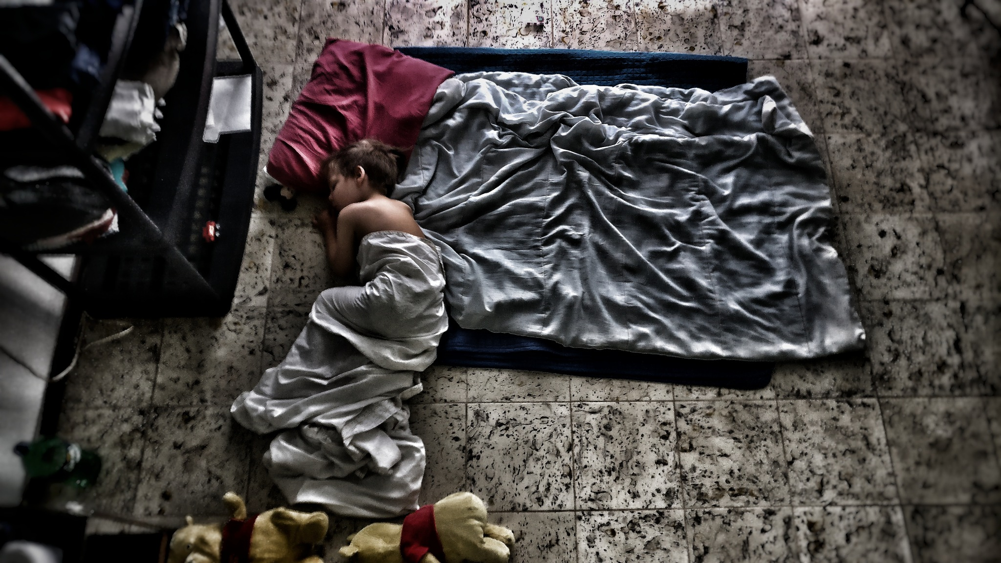 Sleeping on the floor by Ester Pelm
