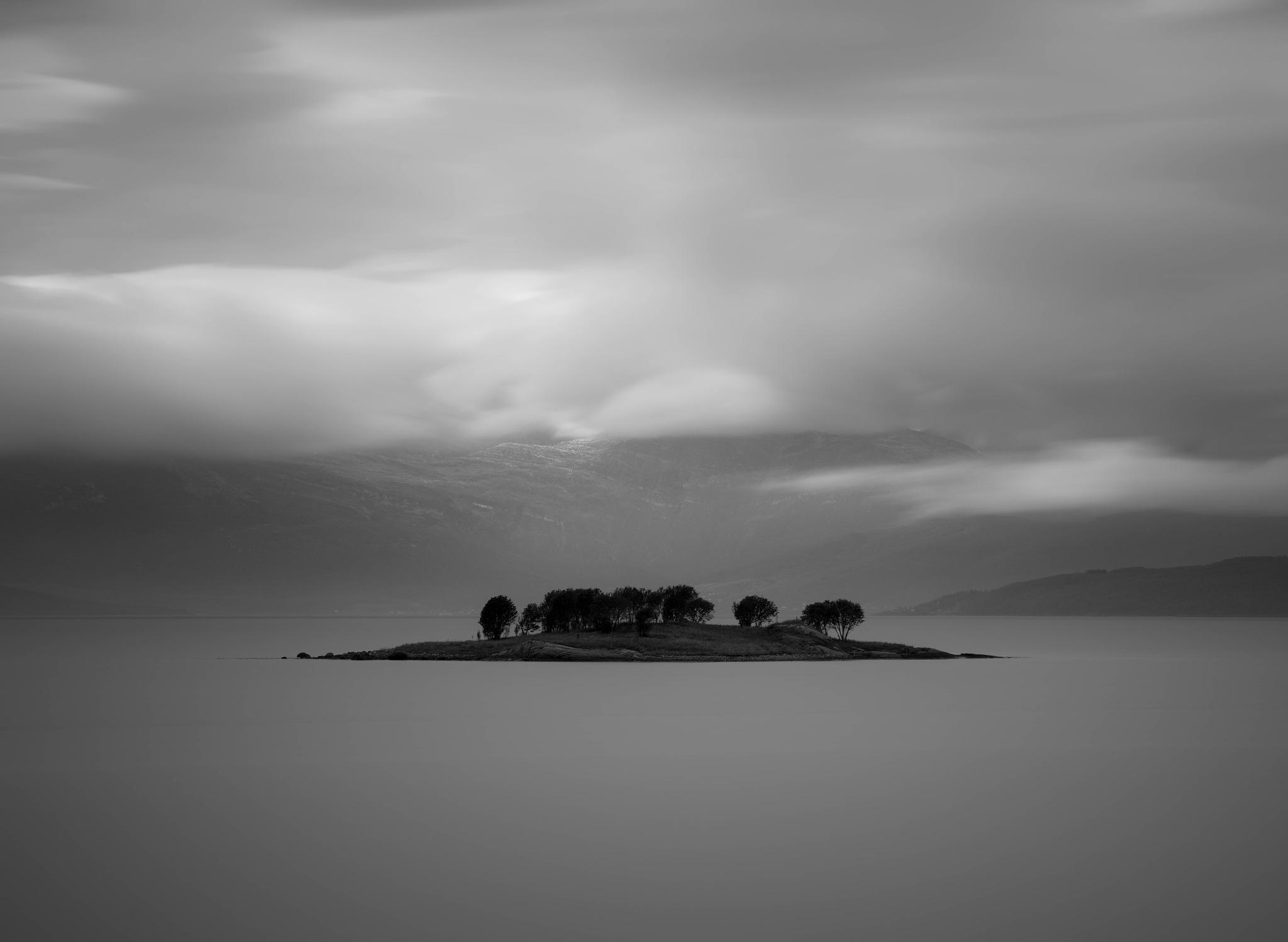 Minimal island  by oeyskarl