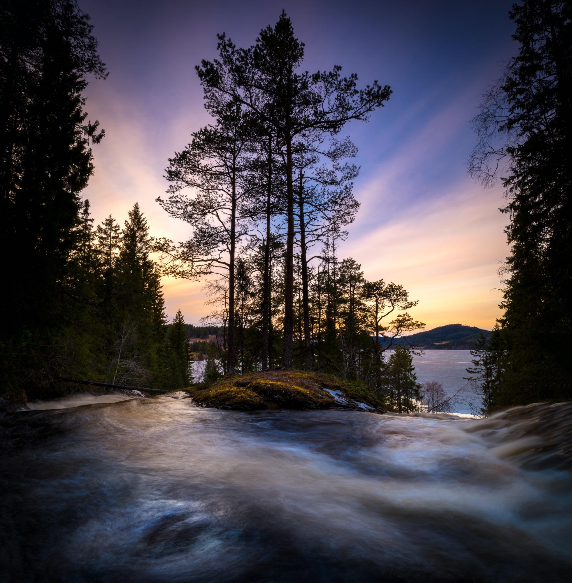 Jonsvannet sunset  by oeyskarl
