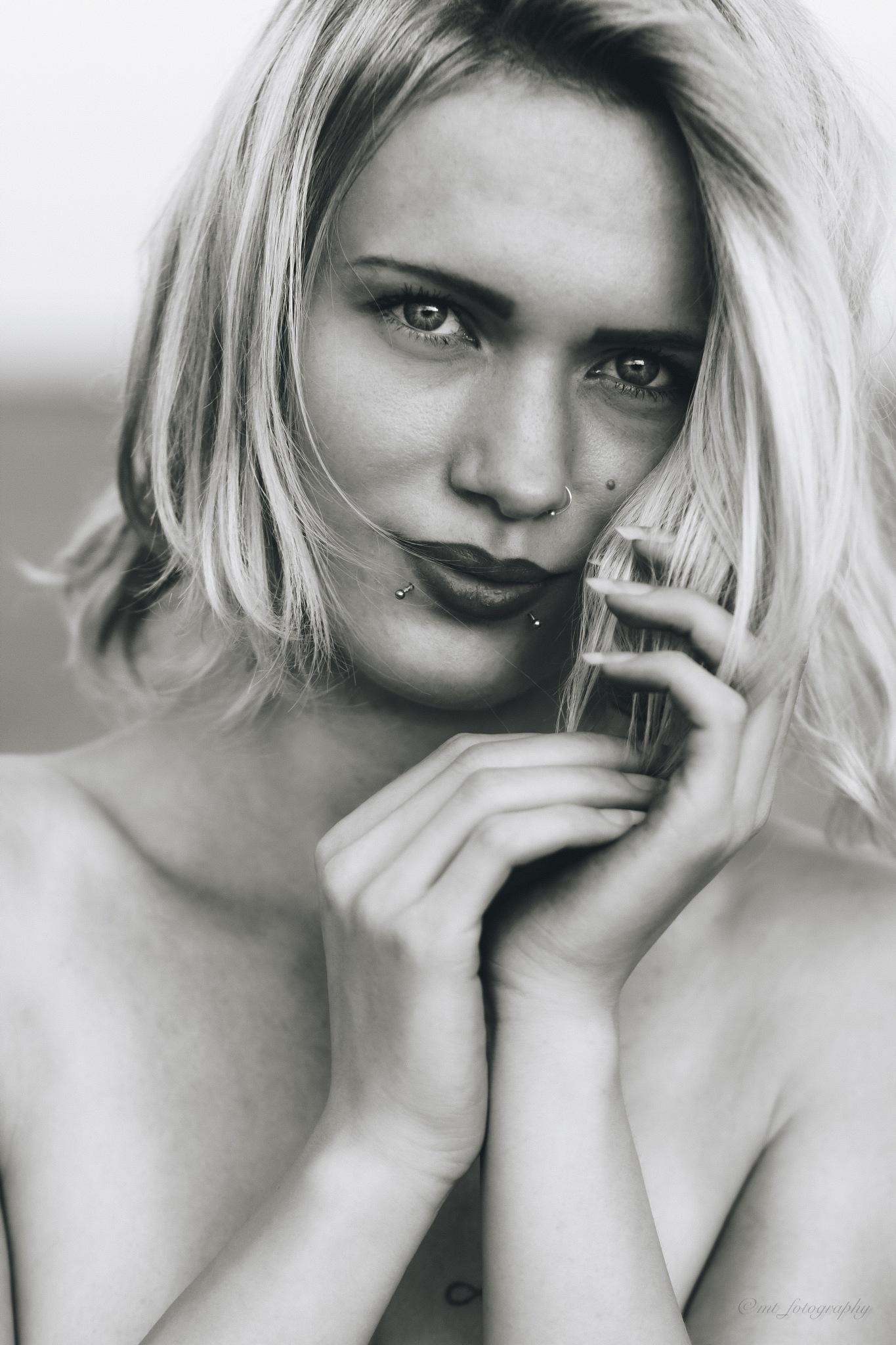 Beautiful Eyes  by Morten Thomsen