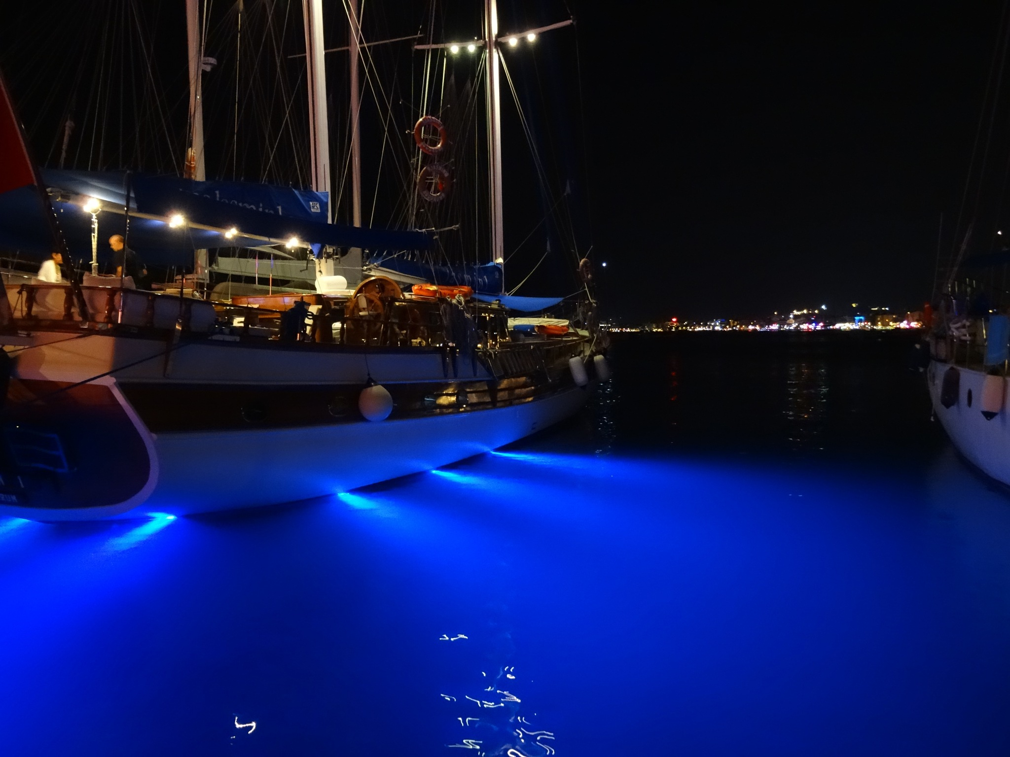 Boatlights by Davy Sloot