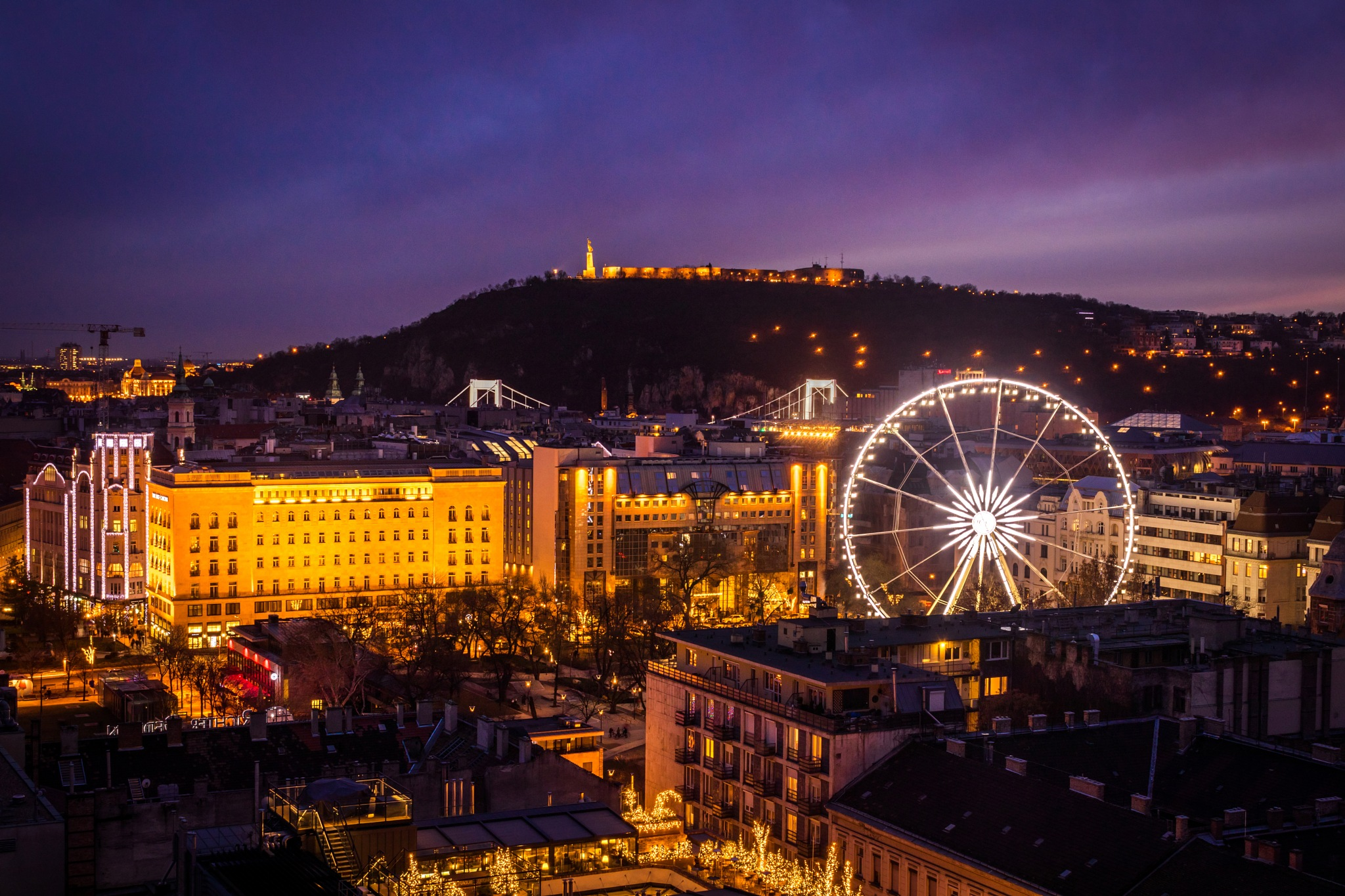 Purple sunset over Budapest by Áron Felszeghy