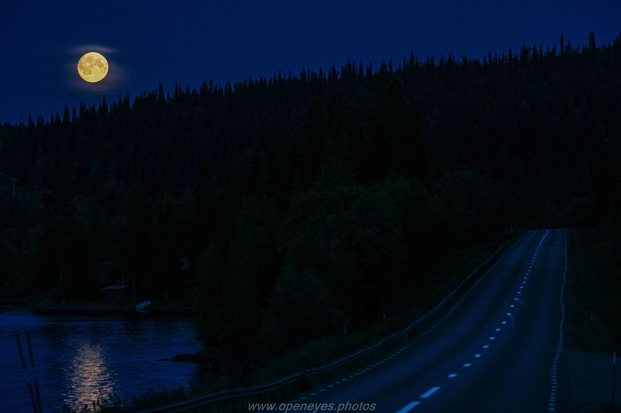 Full Moon over Vildmarksvägen by Alexander Conrad