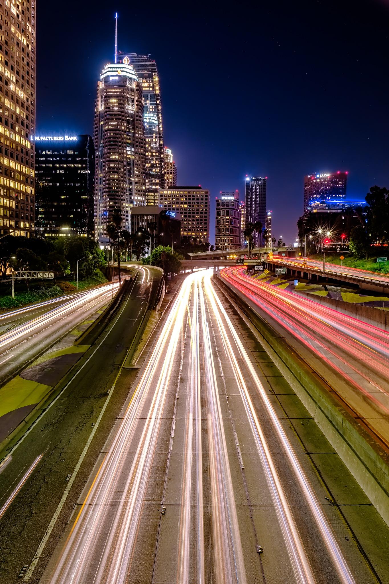 LA Freeway by Hansel Tjia