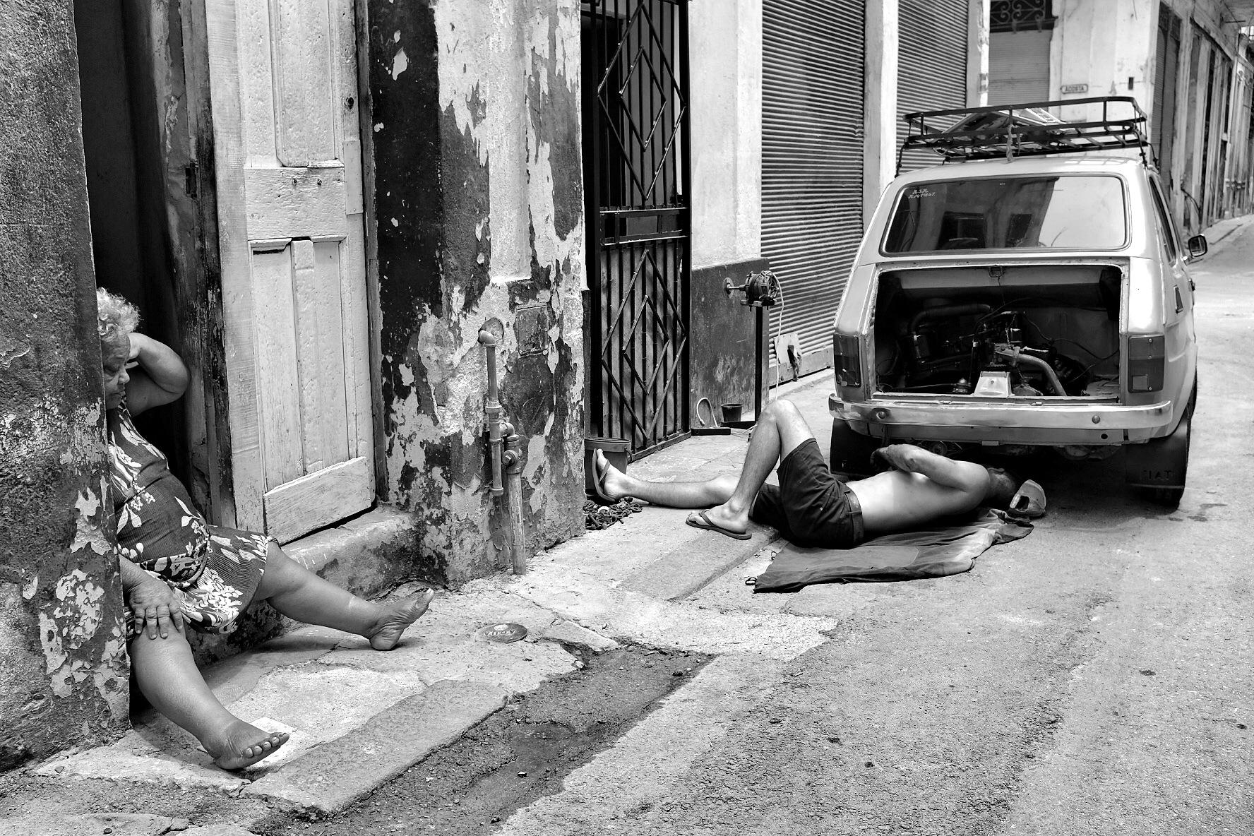 2 bodies by Staraliska