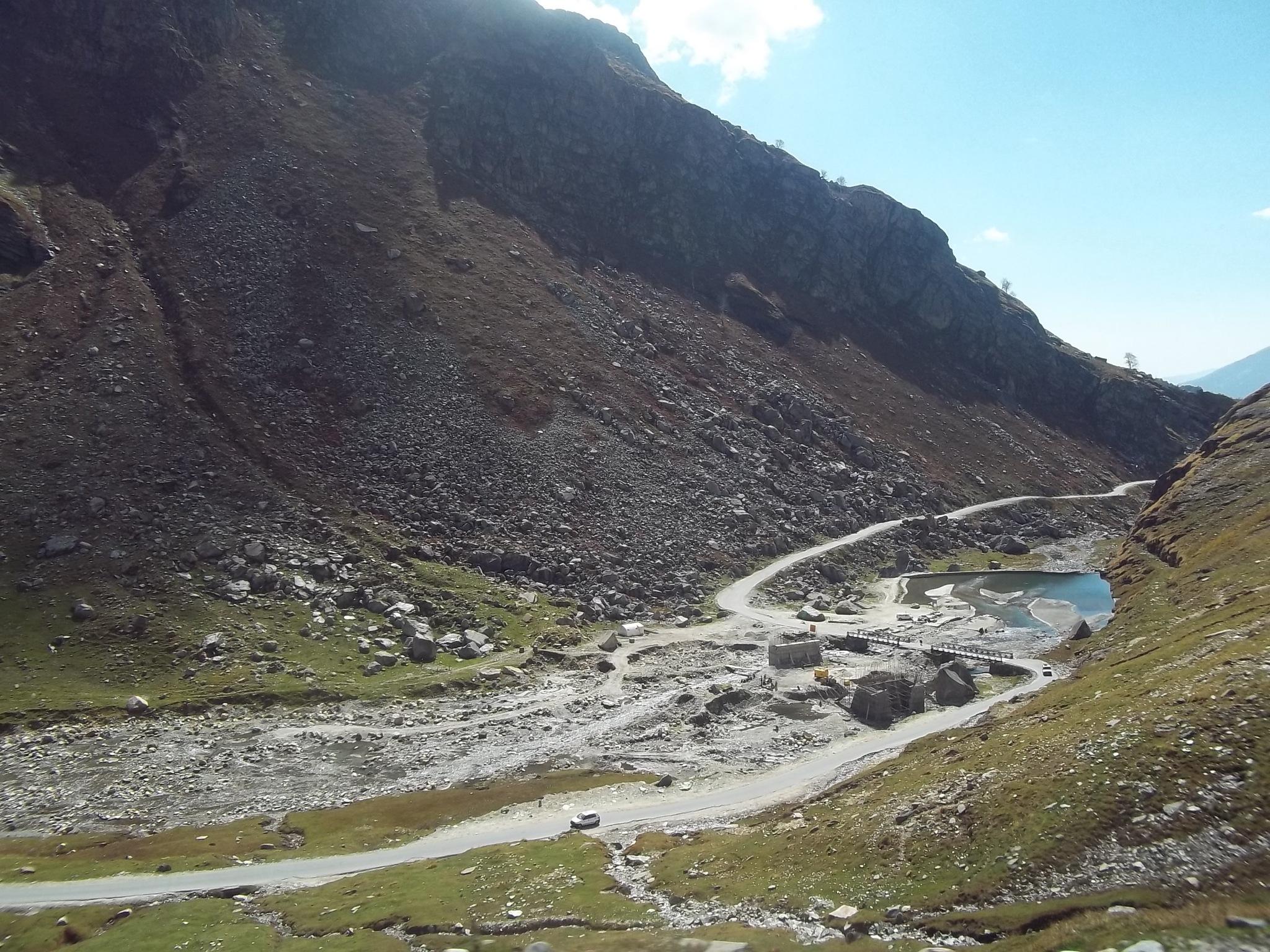 Rohtang Pass by Sumit Jhamb