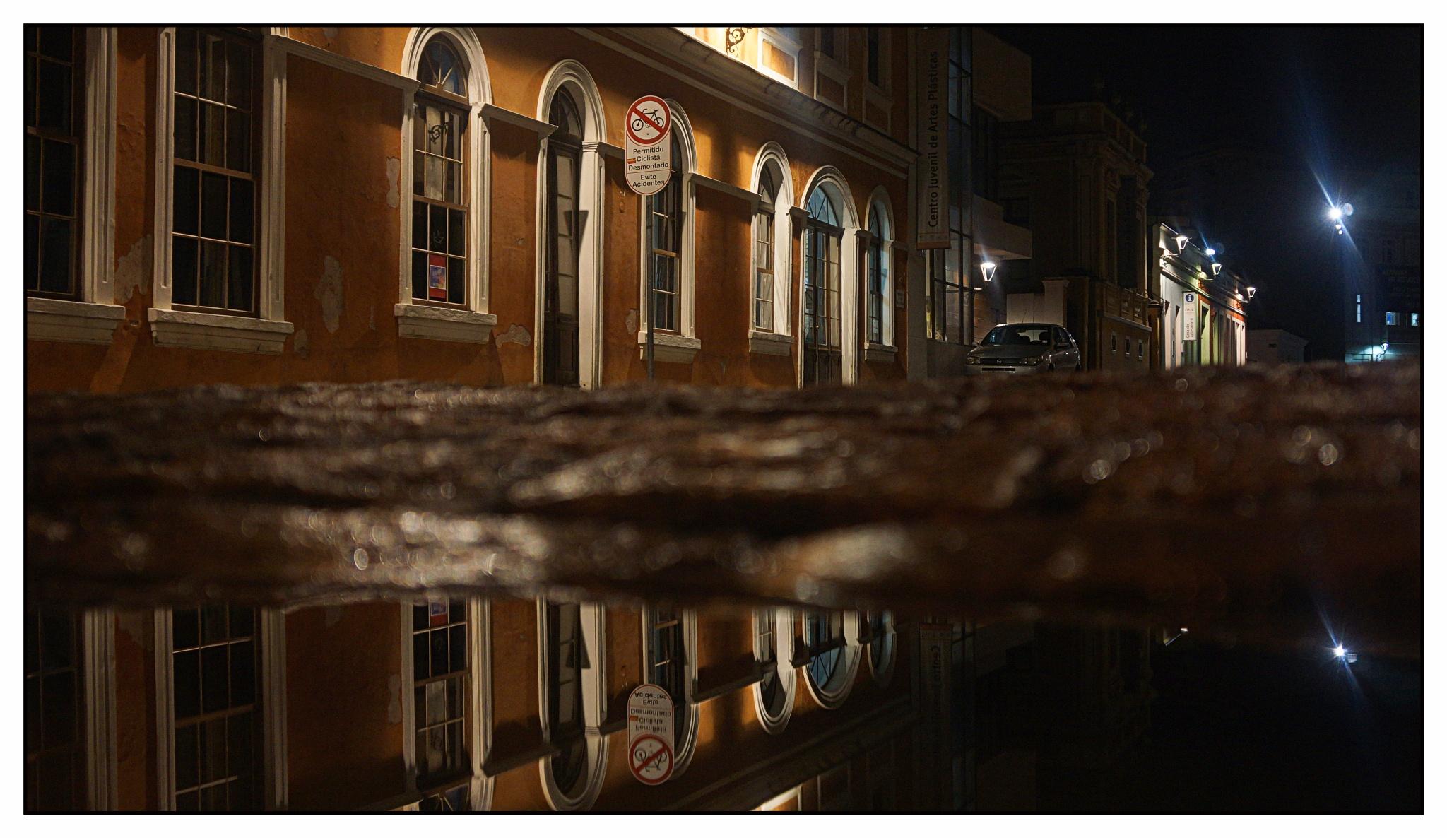 Noite em Curitiba by José Evaldo Suassuna de Oliveira