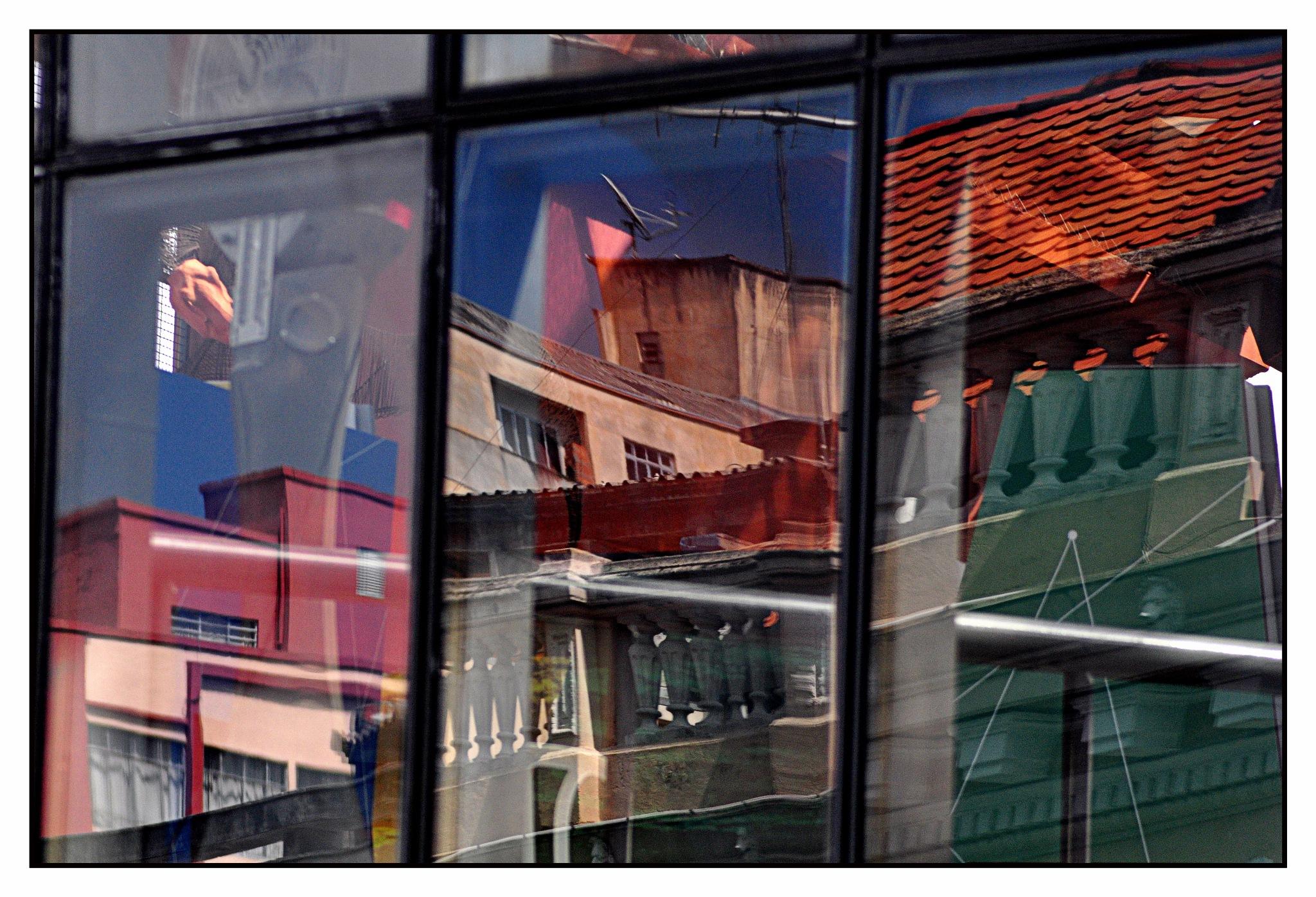CWB's reflections by José Evaldo Suassuna de Oliveira