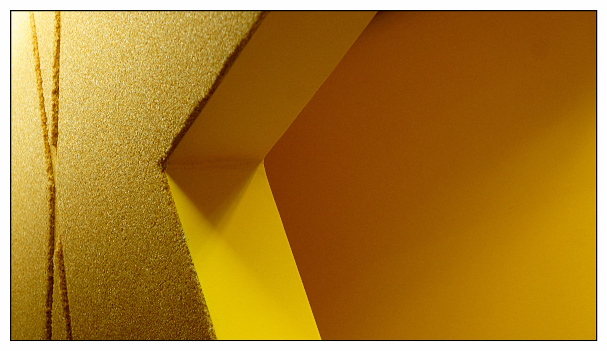 Amarelo by José Evaldo Suassuna de Oliveira