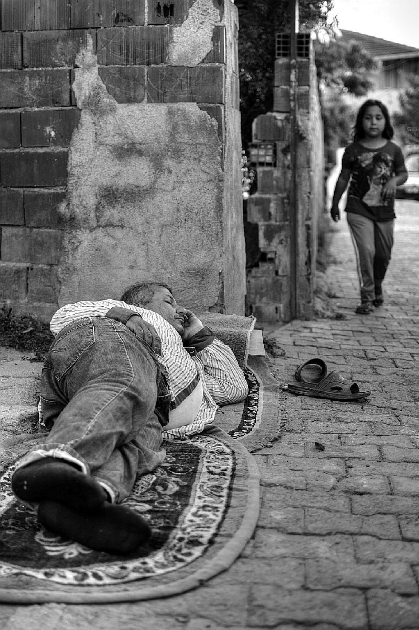 Photo in Black and White #cemalsepici #sleeep #b&w #streetlife #life #street photography