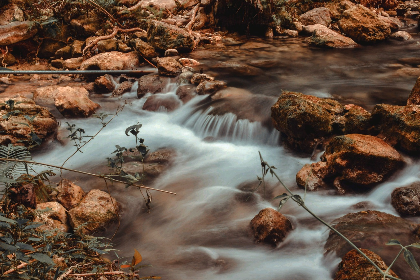 a practice with long exposure  by Jan Ren